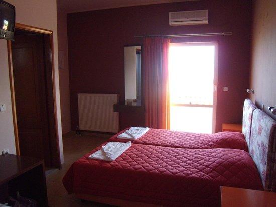 Petritos Hotel: camera