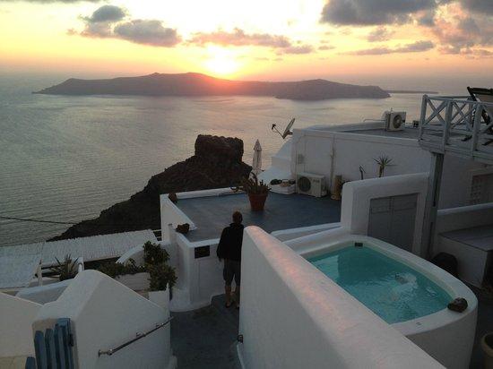 Hotel Sunny Villas: View from Balcony