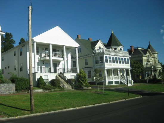 The Scenic Route Maine Tours: Heritage homes Eastern Promenade