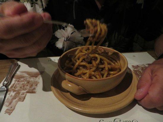 La Mangiatoia: Wild board with pici pasta