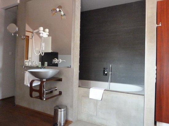 Design Hotel Neruda: Bathroom in Bedroom