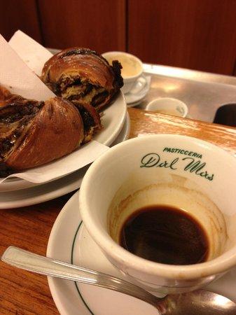 Pasticceria Dal Mas Di Dorz S.A.S. : Café au comptoir