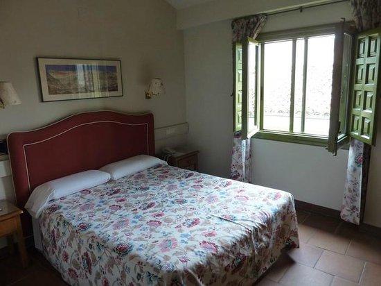 Hotel Leonor de Aquitania: Habitación doble standar