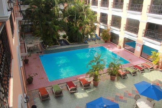 Hotel Dolores Alba : la piscine