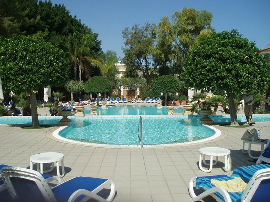Corinthia Palace Hotel & Spa : hotel pool