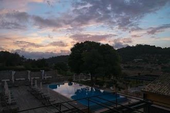 Son Brull Hotel & Spa: Sunrise over property