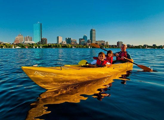 ‪Charles River Canoe & Kayak Cambridge at Kendall Square‬