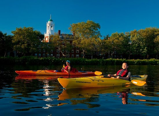 Charles River Canoe & Kayak: Eliot House at Harvard University