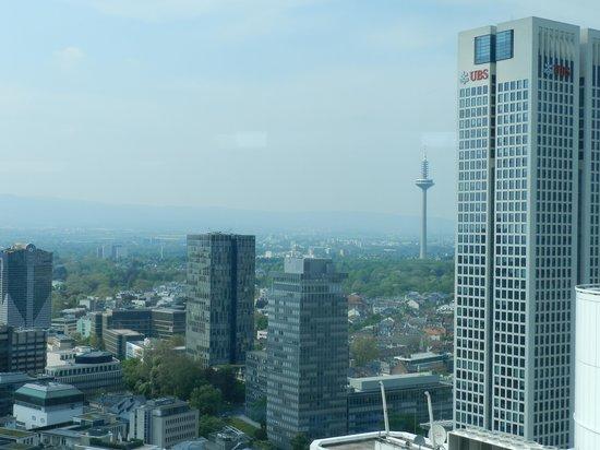 Innside by Meliá Frankfurt Eurotheum: Frankfurt vista do quarto