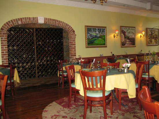Pomme Restaurant: wine cave