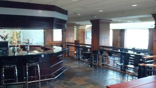Radisson Atlanta Northwest: The Bar! Very nice !