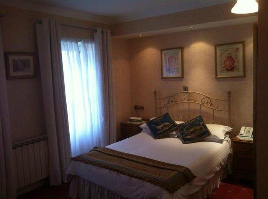 The Revere Hotel: Room 54