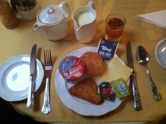 The Revere Hotel: Breakfast at the hotel