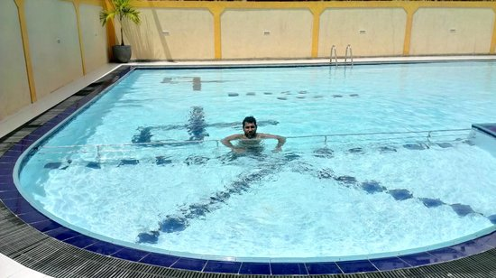 Hotel Bolgoda Park: Swimming Pool from Baby Pool End