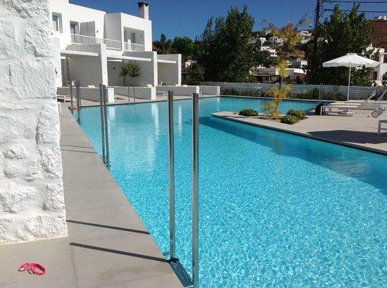 Patmos Aktis Suites & Spa: Pool