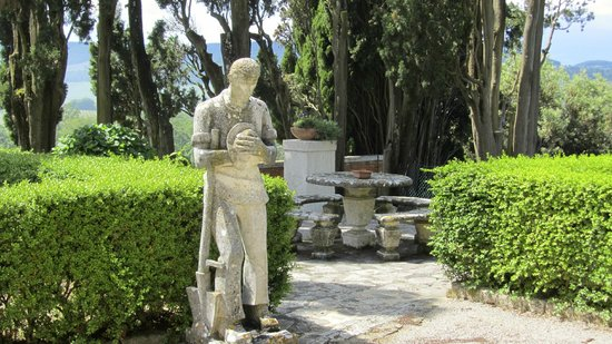 Villa Poggiano: beautiful grounds