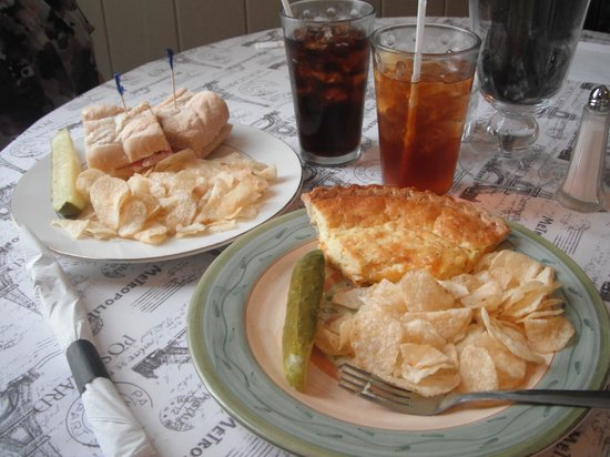 Blakely House Cafe and Bakery: delicious lunch at Blakely House