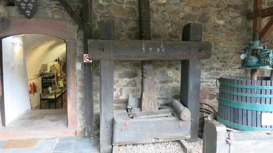 Rheingau Wine Museum Broemserburg Castle : The door, where it starts to see the castle from inside - it costs 5 Euro