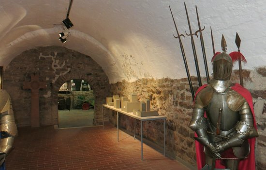 "Rheingau Wine Museum Broemserburg Castle: This ""Gewölbe"" room leads to other rooms of the castle"