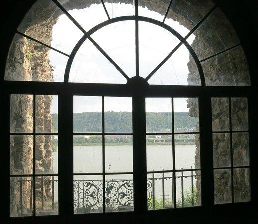 Rheingau Wine Museum Broemserburg Castle: Looking towards the Rhine from the castle.