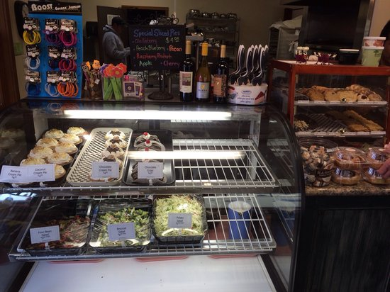 Linn's Easy As Pie Cafe: Many great tasting baked goods!