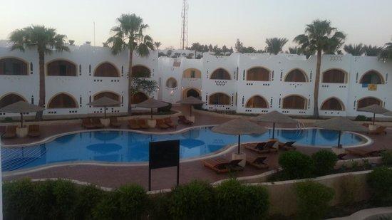 Domina Coral Bay Prestige Hotel: piscina Domina coral bay Prestige