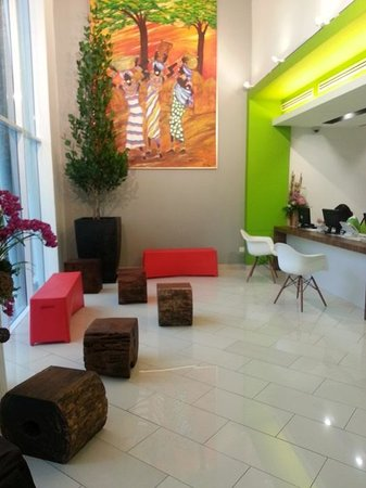 Heliconia Hotel: lobby
