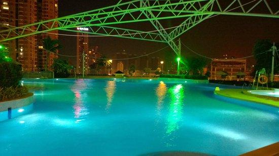 Kempinski Hotel Huizhou: Outside Swimming Pool
