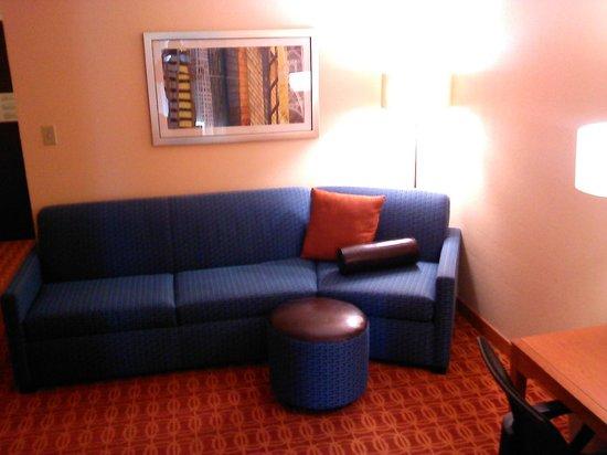 Fairfield Inn & Suites Dallas Las Colinas: Nice new Furniture & Decor
