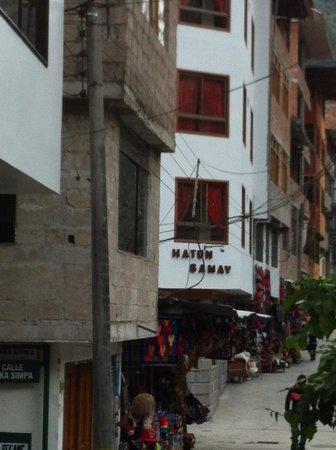 Hatun Samay : Approach to hotel...