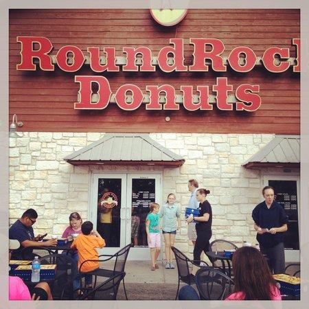 Round Rock Donuts: Front door