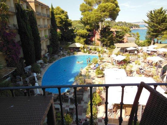 Hotel Cap Roig : piscine