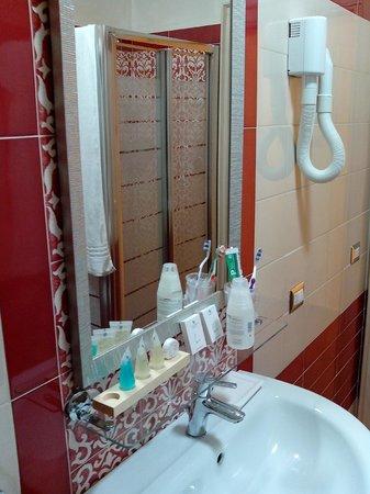 Vittorio Emanuele Bed & Breakfast: il bagno