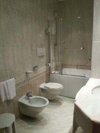 Grand Hotel Vanvitelli: Bagno