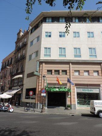 Hotel Derby Sevilla : Front of Derby Sevilla