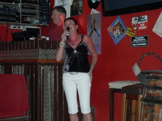 The Red Lion : Karaoke