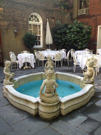 Barbetta : Garden dining