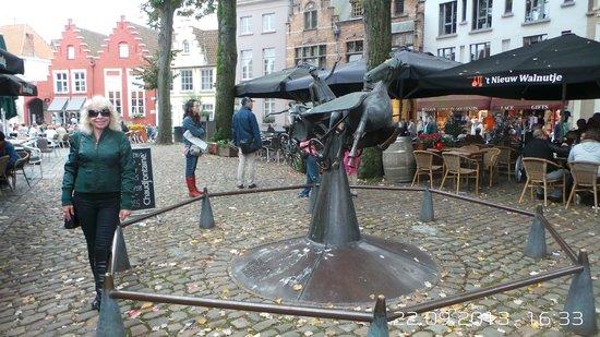 De Mosselkelder: Somewhere around this place.