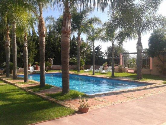 La Petrara Resort: La piscina