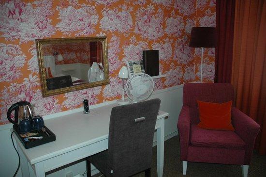 Freys Hotel Lilla Radmannen : No tiene AC solo el ventilador