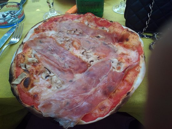 Tempio di Mecenate: pizza francescana
