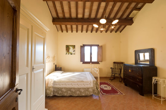 Il Borghetto al Poggio: First bedroom upstairs
