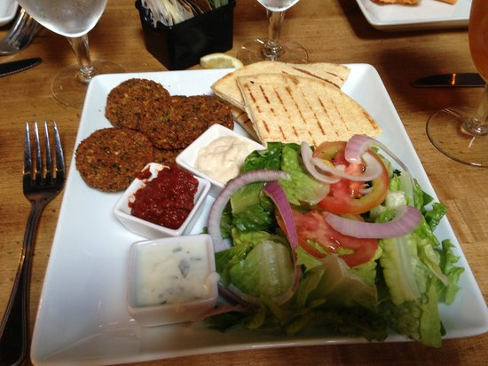 The Field: Falafel Plate (without the hummus that was on menu - they were out)