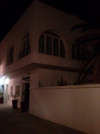 Hotel Senderos: Frente del Hotel