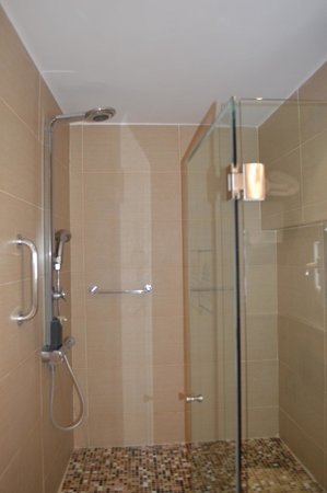 Nissaki Beach Hotel Naxos: Shower