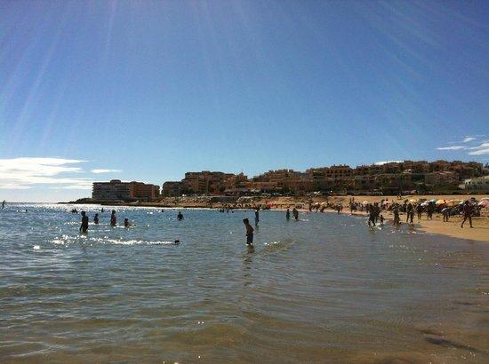 Playa de La Mata: Начало пляжа Ла Мата, за спиной - более 10 км пляжа