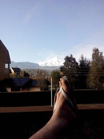 Frontera Pucon Hostel B&B: vista janela - vulcão