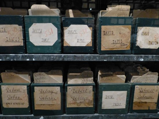 International Red Cross and Red Crescent Museum : Archives presented at Musée de la Croix-Rouge