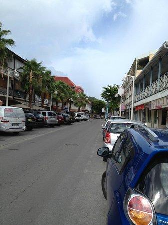Le Centr'Hotel : Vue de la rue de l'hôtel