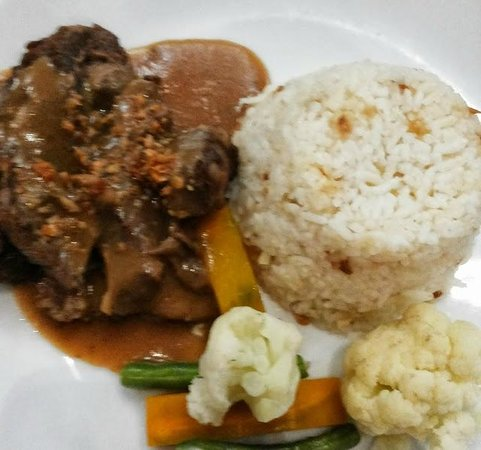 Crowne Plaza Manila Galleria : lunch